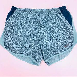 Nike Dri-Fit Tempo Running Shorts Size Medium